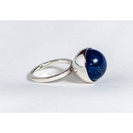 Sterling silver ring with lapis lazuli, handmade & handcrafted, design by Ibralhoff